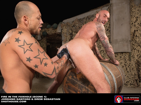 Muscular Jordano Santoro Double Fisting big-dicked rugged Drew Sebastian at Clubinfernodungeon
