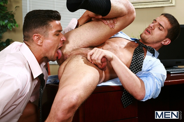 Muscular Trenton Ducati Rims and Fucks Handsome straight guy Ty Roderick in Sext in the Workplace at Thegayoffice