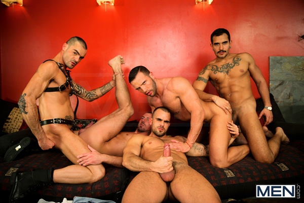 Damien Crosse, Issac Jones, Lucio Saints, Marco Sessions and Donato Reyes hot orgy of kissing, sucking, rimming and fucking in Justified at Jizzorgy