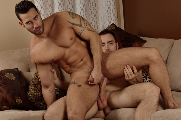 Handsome beefy Alec Leduc fucks a hot wad out of muscled Alexy Tyler in the Gift of Giving and Fucking at Menofmontreal
