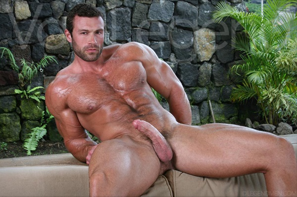 Sexy Muscular Von Legend shoots his thick mikly loads of cums in 7 cumshot collections at Legendmen