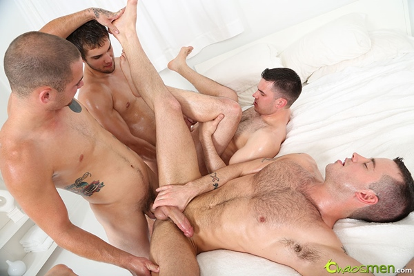 Aries & Glenn bareback and creampie Vander & Bay at chaosmen
