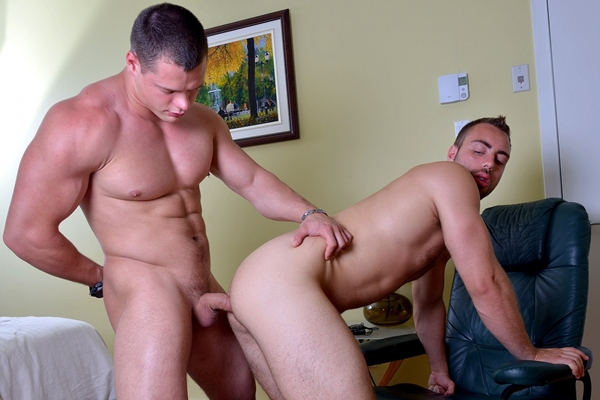 Hunky Ivan Lenko fucks Alec Leduc in Pressing The Flesh at Menofmontreal