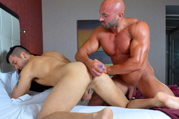 Hot muscular Max Chevalier fucks Felix Brazeau in Turning The Tables Nice Try at Menofmontreal