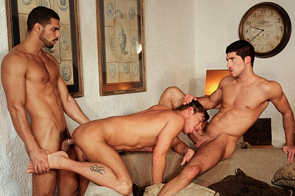 Lucas Fox fucks Toby Dutch & Leo Domenico in Headhunting Chapter 4 at Kristenbjorn