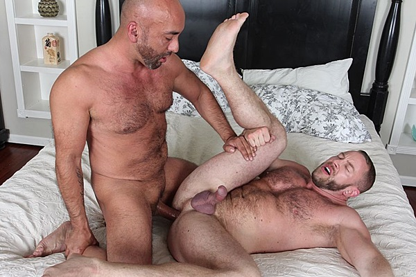 Real life couple Brian Davilla barebacks and creampies Shay Michaels at Cocksuremen
