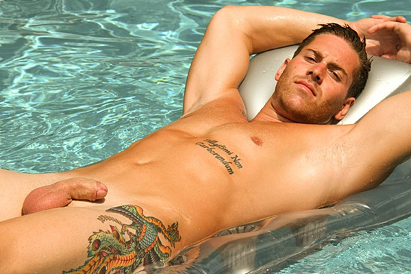 Handsome Hawaii college jock uncut big-dicked Troy shoots his thick cum underwater at Islandstuds