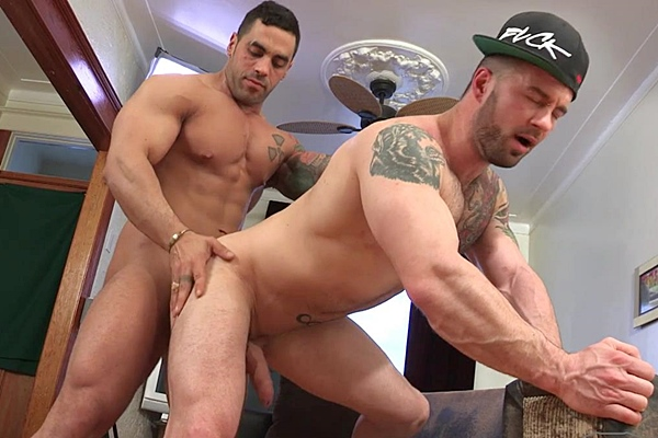 Hot muscle hunks Emilio Calabria & Manuel Deboxer flip-fuck and Elio gets his cherry popped up in Vice Versa at Maskurbate