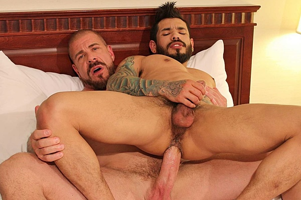 Monstercocked Rocco Steele barebacks and breeds Draven Torres in his hairy ass at Barebackthathole