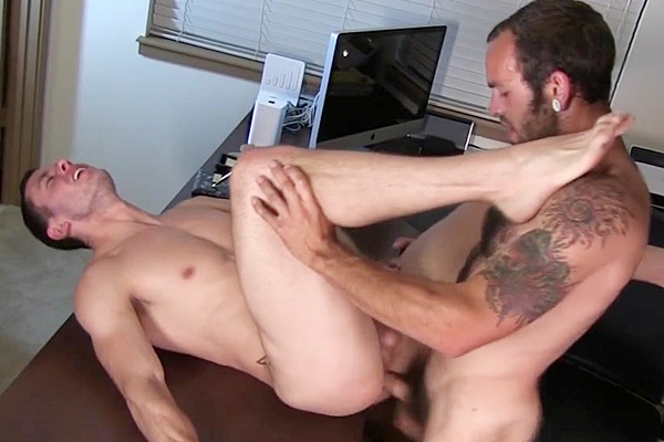 Hairy and hung stud Maxx Fitch barebacks and breeds Dalton Pierce's bubble ass at Dallasreeves