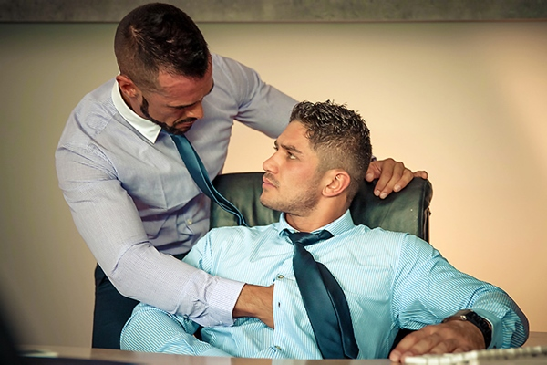 A Sneak Peek of Dato Foland and Denis Vega having a flip-flop at Thegayoffice