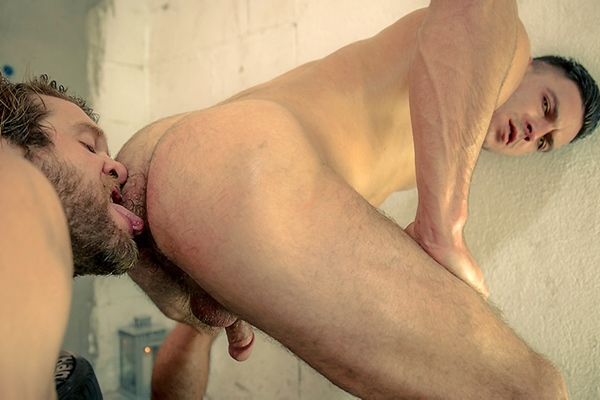 A Sneak Peek of Paddy O'Brian fucking Colby Keller in Howl Part 1 at Drillmyhole