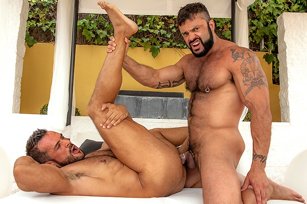A Sneak Peek of Rogan Richards fucking Denis Vega at Drillmyhole