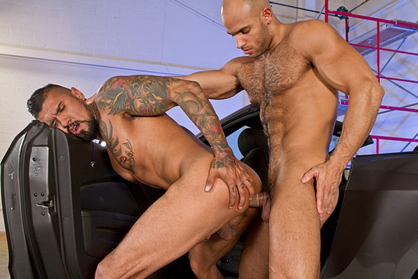 Boomer Banks & Sean Zevran flip-fuck and masculine Boomer Banks gets his tight virgin ass popped up at Ragingstallion