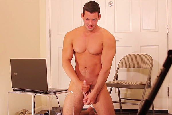 Hot muscle jock Ryan Winter (aka Dominic at Seancody) jacks off and will fuck Jason Keys in his hardcore debut at Gayhoopla