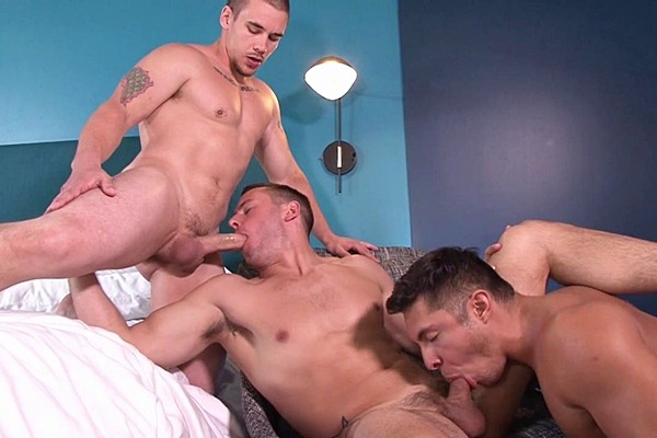 A Sneak Peek of Adam Bryant fucking Brenner Bolton & Seth Santoro at Str8togay