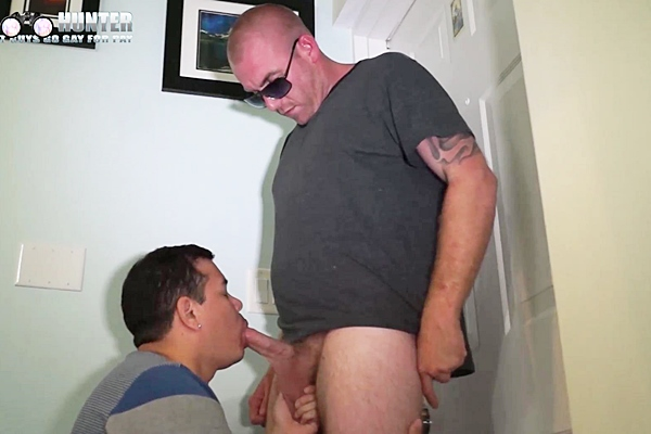 Hot macho straight hunk Max fucks Victor before Max shoots a big load in Another Hot Delivery by Max at Beefcakehunter