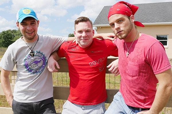 Owen Michaels barebacks Zeno Kostas and John Henry until Owen seeds John's pink hole at Brokestraightboys