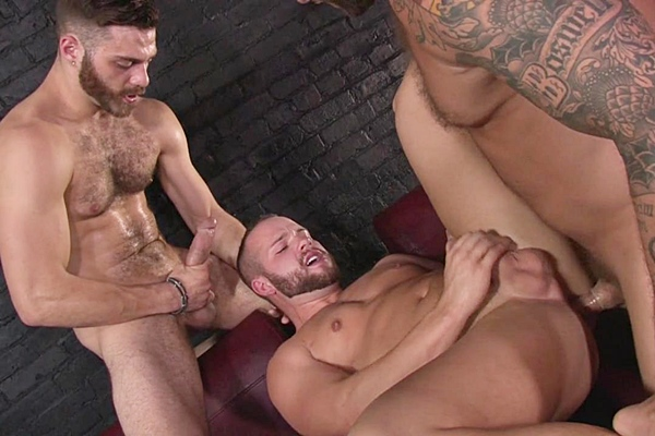 A Sneak Peek of Colby Jansen & Tommy Defendi fucking Luke Adams at Drillmyhole 01