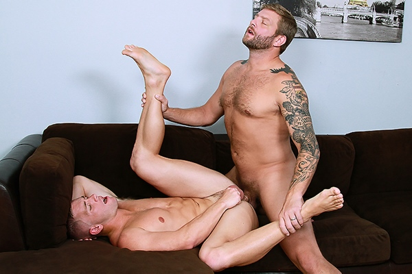 A Sneak Peek of Colby Jansen fucking Scott Riley at Str8togay