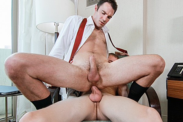 Big-dicked Zane Anders barebacks Cameron Kincade until he breeds Cameron with his huge loads in Bellboys Part 2 at Bromo