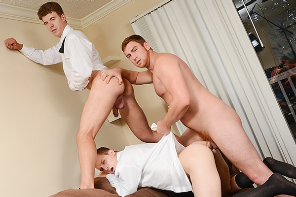 A Sneak Peek of Connor Maguire & JJ Knight fucking Tommy Regan at Str8togay 01