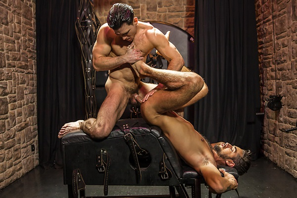 A Sneak Peek of Paddy O'Brian fucking Massimo Piano at Str8togay