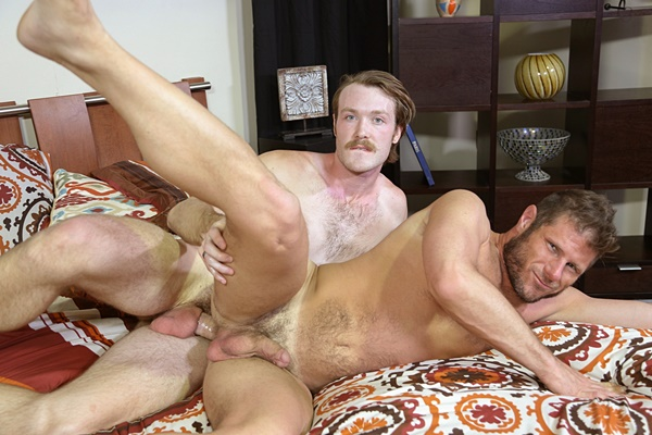Big-dicked Kaydin Bennett fucks hairy hunk Luke Ewing's tight ass at Pridestudios
