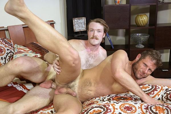 Big-dicked Kaydin Bennett fucks hairy hunk Luke Ewing's tight ass at Pridestudios