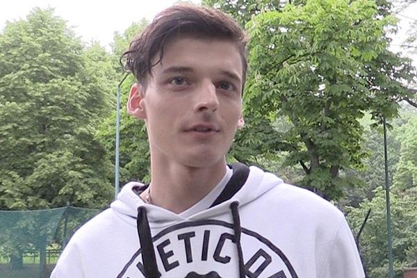 The cameraman barebacks a cute young soccer player in Czech Hunter 250 at Czechhunter