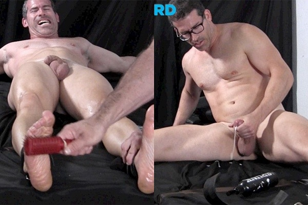 Hot muscle hunk Mitch gets tickled naked before he wanks off at Tickledhard