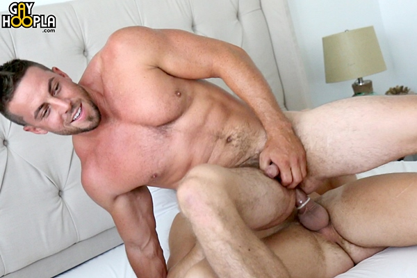 Hot newcomer Brady Corbin fucks the cum out of muscle jock Derek Jones at Gayhoopla