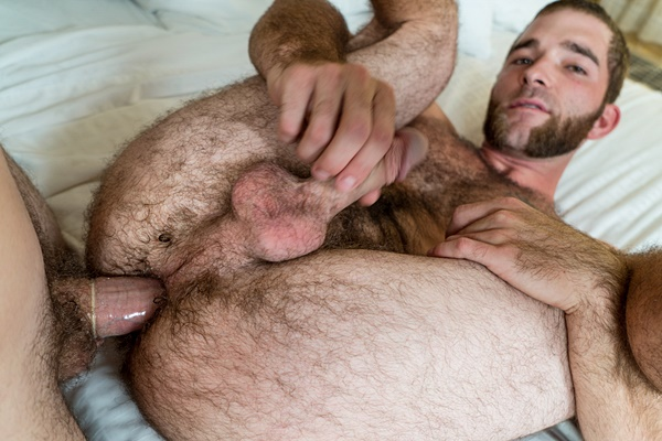 Hot hairy construction worker Ben gets his tight hairy virgin ass popped up at Realitydudes