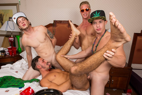Donny, Tobias and Ken gangbang bareback a cute bottom boy in Roulette at Realitydudes