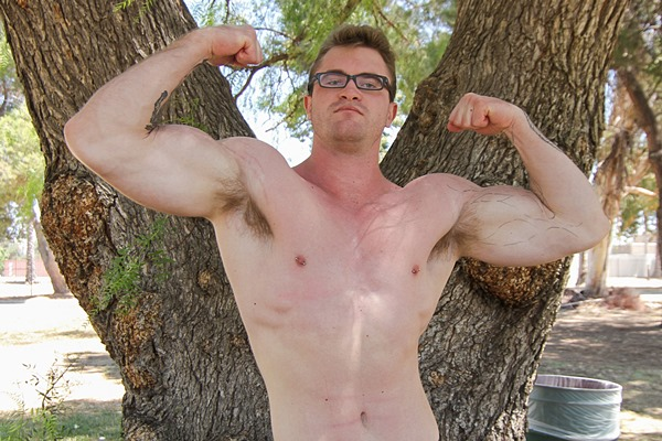 Hot muscle hunk Scott Ambrose gets fucked for the first time at Realitydudes