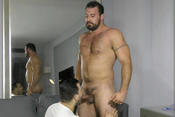 Hot macho hunk Tank worshiped, sucked and jerked off by Marcelo at Theguysite