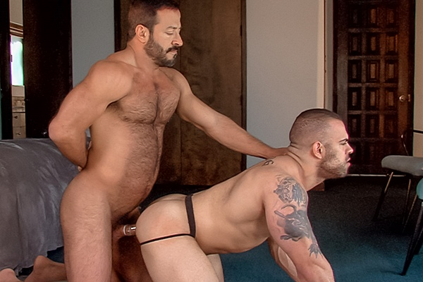 Hot daddy Vinnie Stefano fucks muscle jock Lorenzo Flexx while Dallas Steele is watching at Titanmen