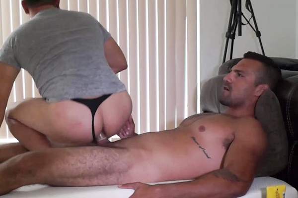 Masculine construction worker Sandro fucks a guy for the first time at Beefcakehunter