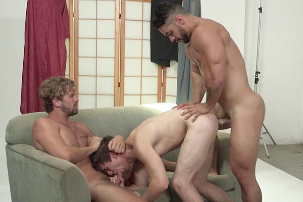 A Sneak Peek of Arad Winwin fucking Will Braun & Wesley Woods at Drillmyhole