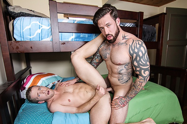 A Sneak Peek of Jordan Levine fucking Scott Riley at Drillmyhole