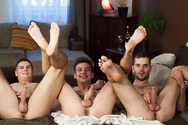 Handsome muscle jock Tomas Fuk Barebacks Alan Carly and Martin Polnak in Full Contact at Williamhiggins