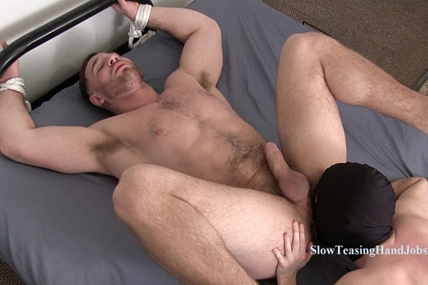 Muscular straight hunk Anthony rimmed, ass fingered and sucked off at Slowteasinghandjobs