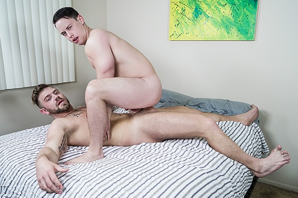 A Sneak Peek of Bud Harrison Fucking Tobias at Str8togay 01