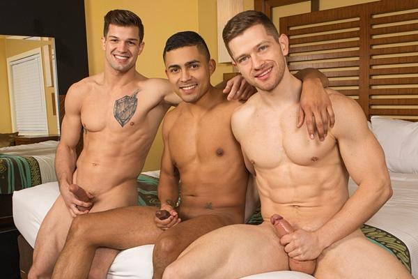 Brysen barebacks and creampies hot muscle jocks, real life partners Deacon and Asher at Seancody