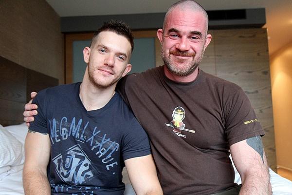 Masculine Aussie Daddy Alex McEwan fucks Skippy Baxter at Bentleyrace