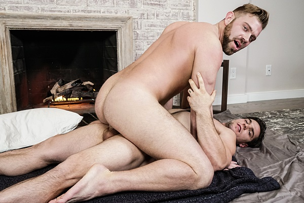 Aspen fucks masculine bearded stud Bud Harrison's virgin ass at Men