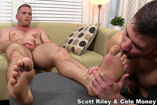 Hot hairy muscle jock Cole Money worships Scott Riley till he blows his hot load at Myfriendsfeet