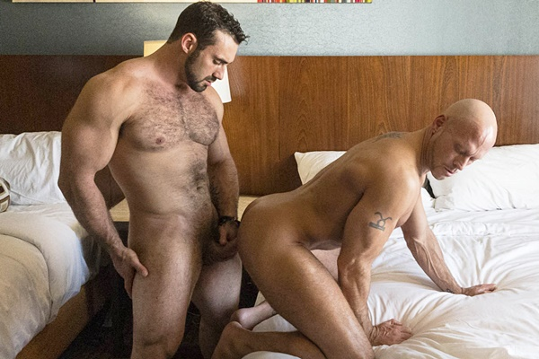Hairy muscle hunk Jaxton Wheeler fucks skinhead daddy Coby Mitchell at Dominicford