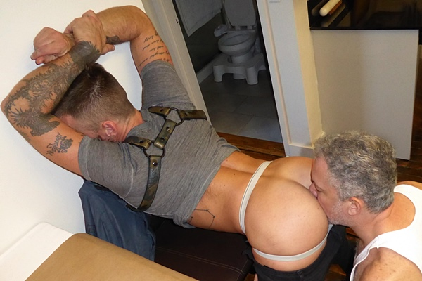 Cole and Hunter bareback Hoytt Walker in Raw Dawggin On The Kitchen Floor at Maverickmen