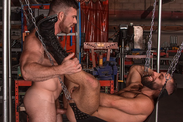 Muscle hunk Liam Knox flip-fucks Eddy CeeTee in the sling factory at Titanmen